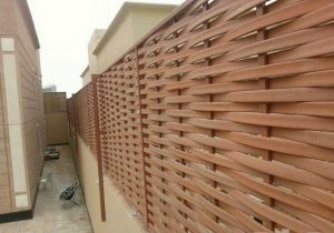 تركيب أفضل سواتر خشب بلاستيك لأسوار الفلل